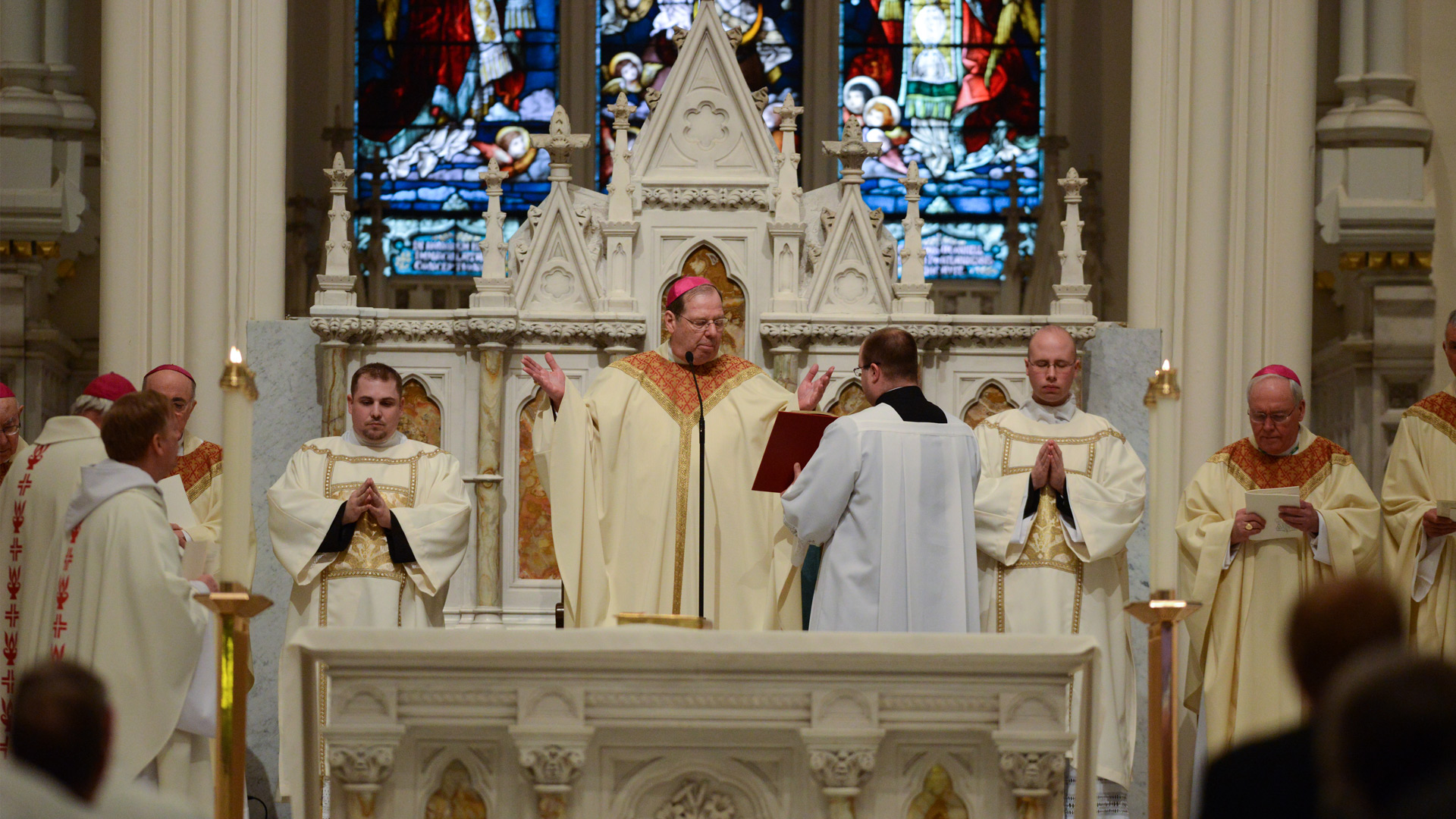 Чем христианство отличается от католичества?
